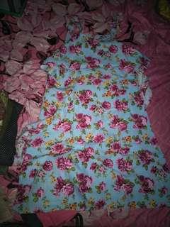 Dress motif bunga biru