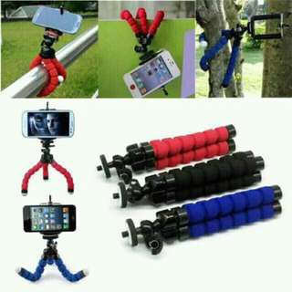 TRIPOD WITH BENDABLE LEGS