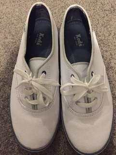Keds Sneakers size 9