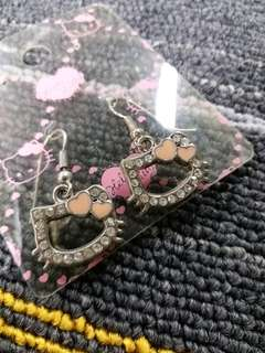 HK$5/1PAIR ~ 全新HELLO KITTY閃石耳環  New Hello Kitty Rhinestone Earrings