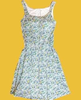 🚚 全新UNIQLO x LIBERTY LONDON 聯名裙子