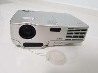NEC NP40 DLP projector - portable