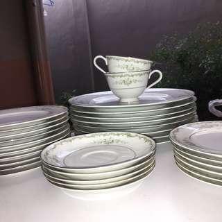 Sango (plate set)