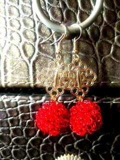 🚚 Handmade Dangling Gold Tone Earrings
