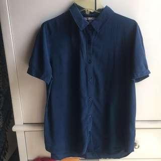 Uni qlo navy blue shirt / kemeja biru navy / donker