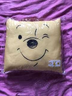 Winnie the Pooh頸枕+枕頭