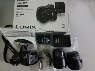 Like new panasonic g5 + 2 lens