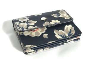 Expandable Card Holder