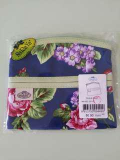 Naraya Tissue Case