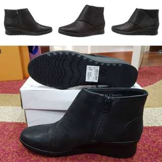 Authentic Clarks Boots For Women Size UK5