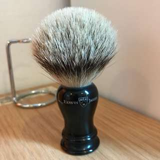 Edwin Jagger Silvertip brush