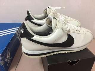 Nike 阿甘 adidas 李聖經 內詳