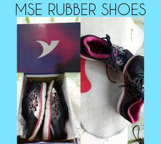 I'm selling MSE Rubber shoes (Size 6) Isang besess lang nagamit