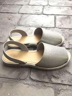 cotton on sandal