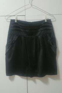 🚚 Satin Black Skirt