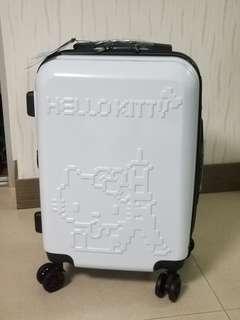 100%全新Hello Kitty限量款白色行李喼/旅行箱