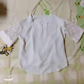 🚚 白色雪紡上衣(袖子蕾絲拼接)