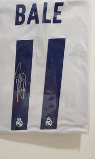 Real Madrid Bale Autographed Jersey
