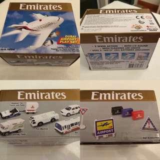 飛機模型套裝連原裝盒(飛機約4吋長)
