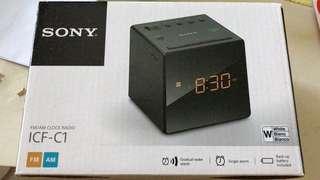 100% 全新Sony 小型響鬧收音機
