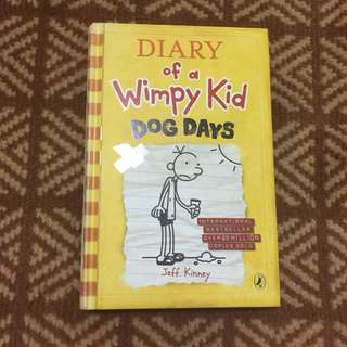 Diary of a Wimpy Kid - Dog Days Hard Cover - Jeff Kinney