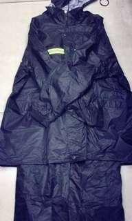 #030 Terno Raincoat