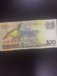 Singapore bird signs $20 note
