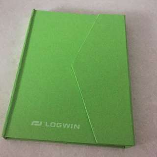 notebook with post it