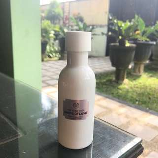 The body shop drops of light pure translucency essence lotion