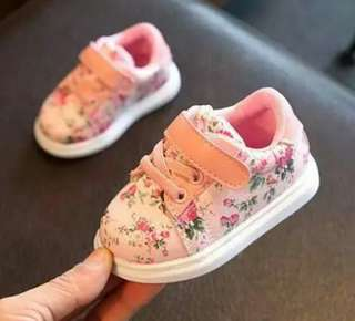 Spring floral baby girl shoes