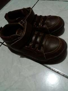 Sepatu cool kids