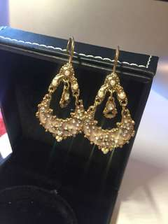 Luxurious Earrings 金色閃閃耳環