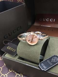 gucci watch w/box
