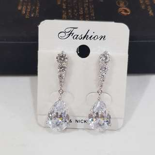 Anting (Earring)