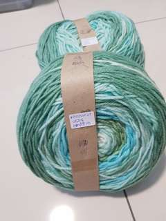 Worsted weight acrylic yarn