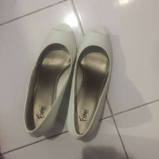 Heels Putih - #kanopixcarousell