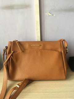 Sling Bag Coklat