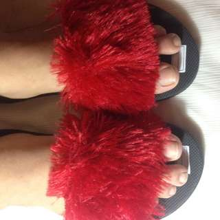 NEW FURRY SANDALS