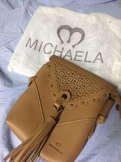 Michaela brown bodybag