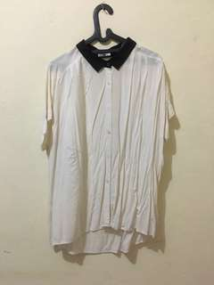 UNIQLO BROKEN WHITE SHIRT