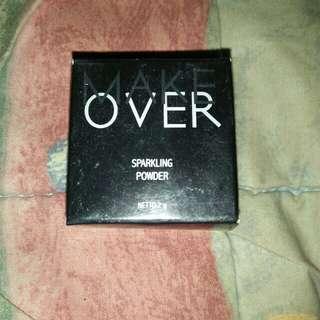 Sparkling powder eyeshadow