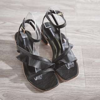 [PRE-ORDER] Women Ruffles Ankle Strap Classy Sexy Thick Heels Ladies Sandals [Black/Beige]
