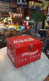 Coca cola ice cold box