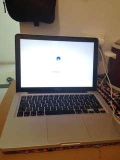 MacBook Pro Corei3 4Gb Ram 256SSD
