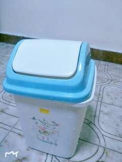 Super cheap dustbin!