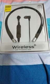 🚚 Wireless with TF Stero Headphones