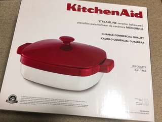 Kitchen Aid ceramic bakeware with lid