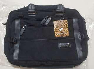 Possedez Mak's professional bag