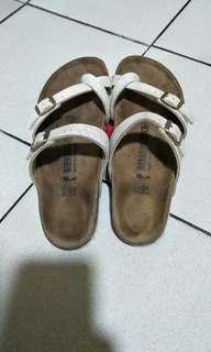 Bikin Sandal