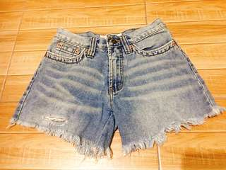 Tattered high-waisted shorts